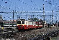 830 075-8 in Olomouc am 30.05.03.